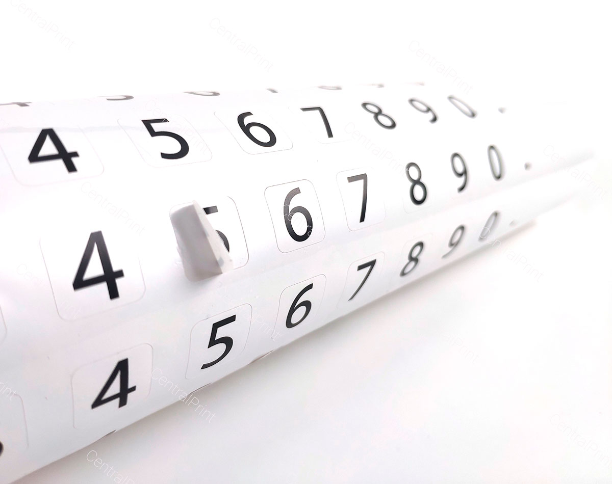 наклейка на влагостойкой пленке с цифрами